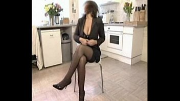 Naughty Mature Housewife Fucks Friend When Hubby Is Working Away